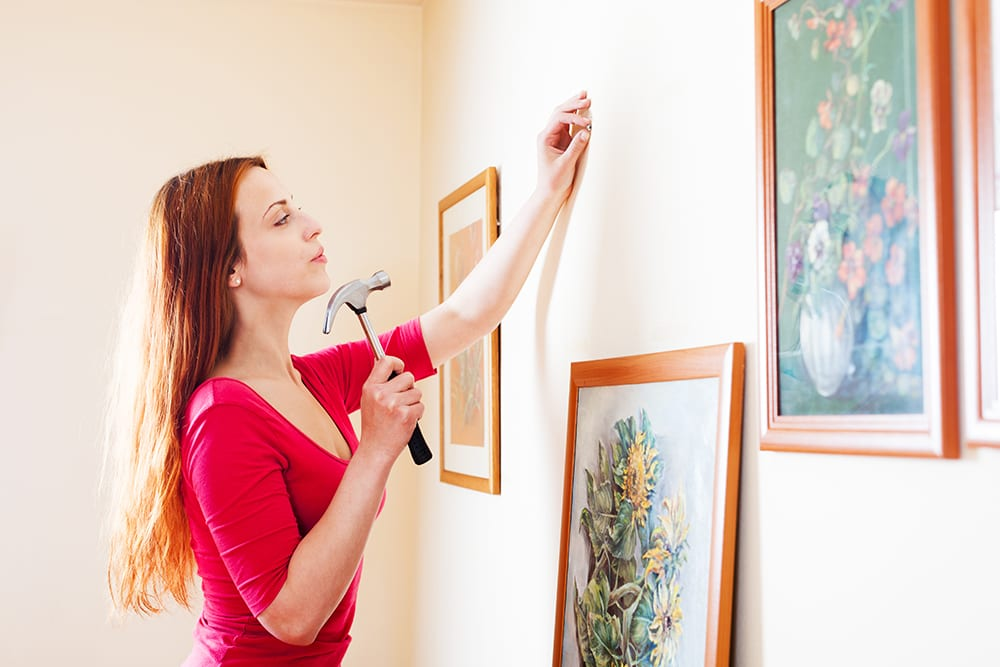 How to hang pictures like pro